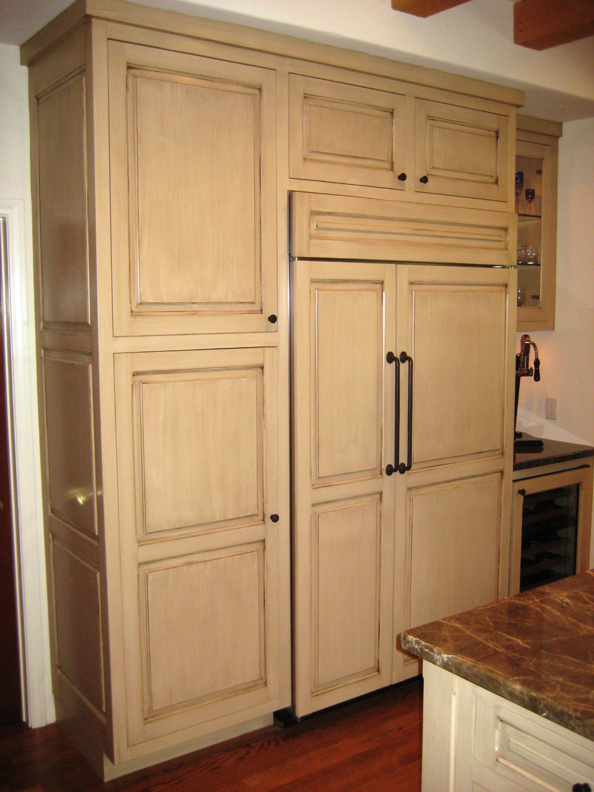 Antique kitchen 020 custom cabinets by mahnken cabinets for Cabinetry kitchen cabinets